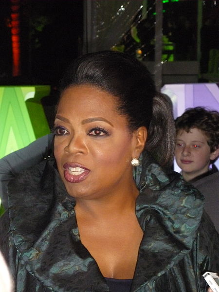Oprah_Winfrey_at_2011_TCA