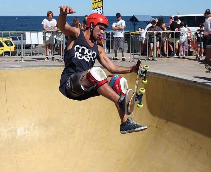 735px-1_bowl_skate_boarding