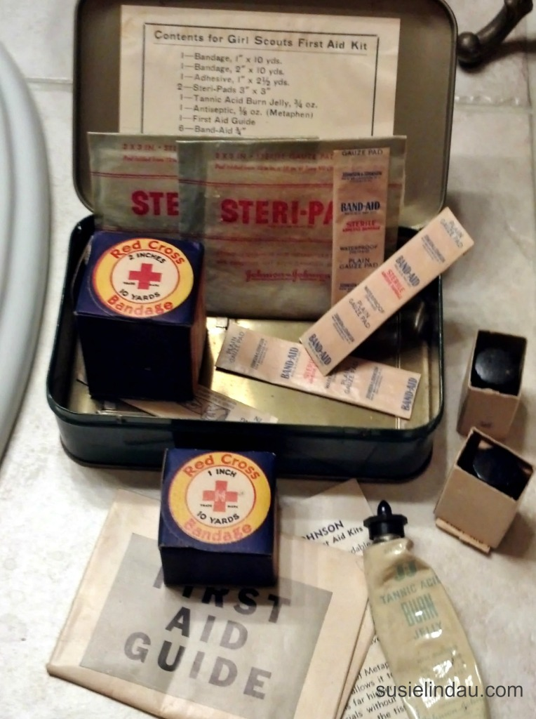 1942 Girl Scout First Aid Kit 2
