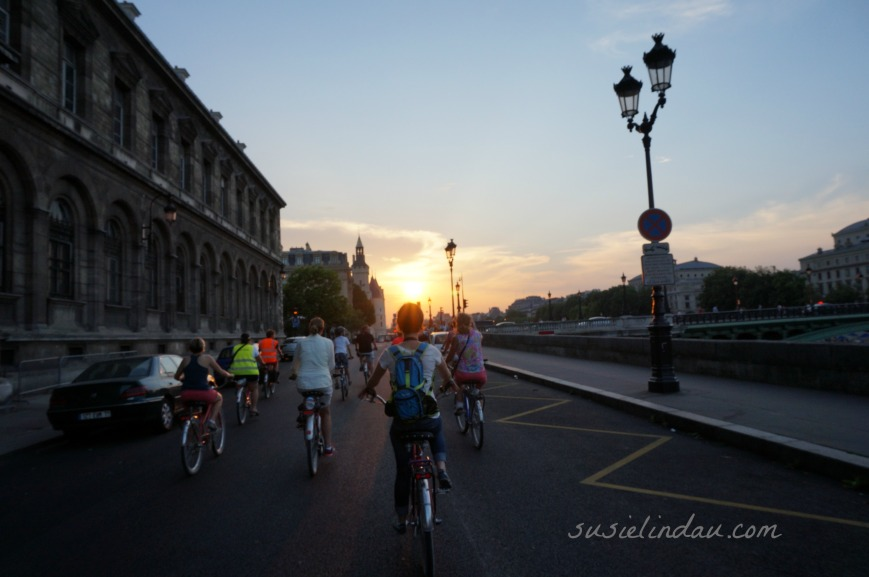 biking in Paris