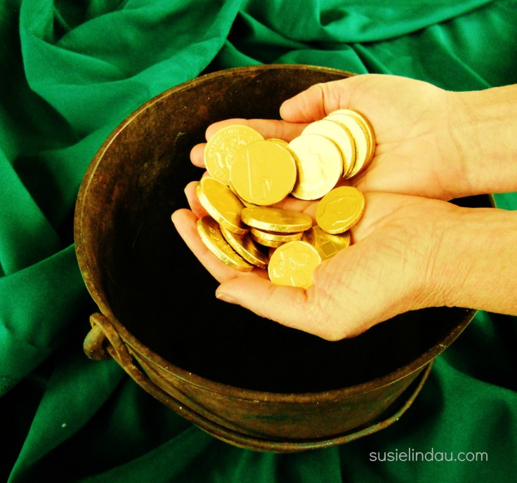 How to add gold coins to your St. Patrick's Day traditions! Click for ideas! holiday tips and tricks, culture, family traditions, Saint Patrick's Day celebrations #stpattysday #saintpatricksday #stpaddysday #familytraditions #culture