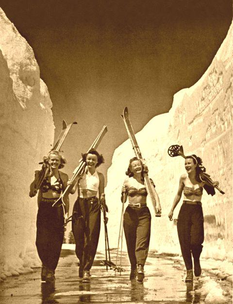 Old ski photo