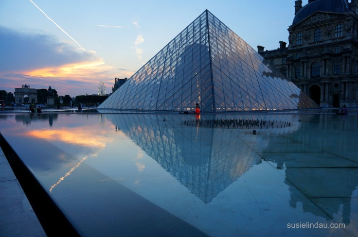 The Louvre dramatic lighting