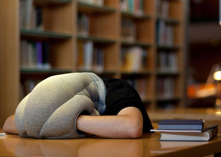 ostrich-pillow-portable-power-nap-micro-environment-xl