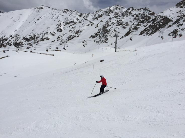 Skiing again