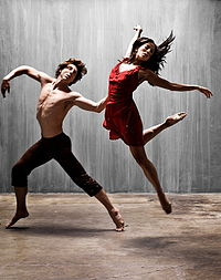 two modern dancers