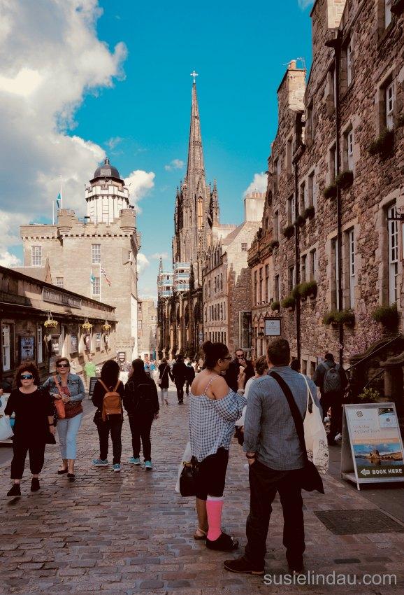 Shoppers Royal Mile Picturesque architecture Edinburgh Scotland