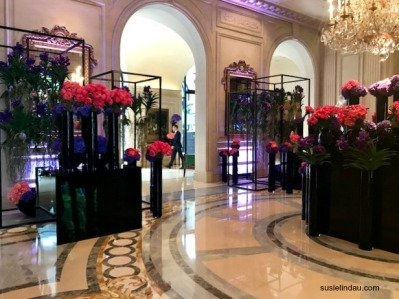 Four Seasons Paris Lobby