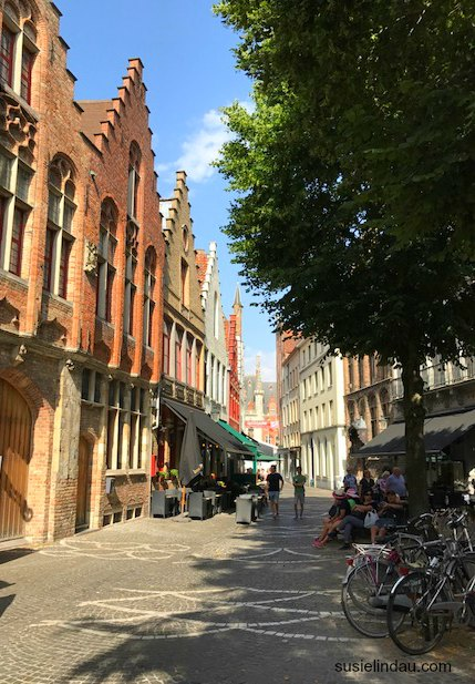 Pretty postcard Bruges