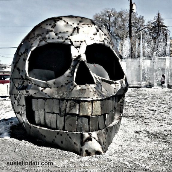 Skull sculpture in a Reno Nevada park
