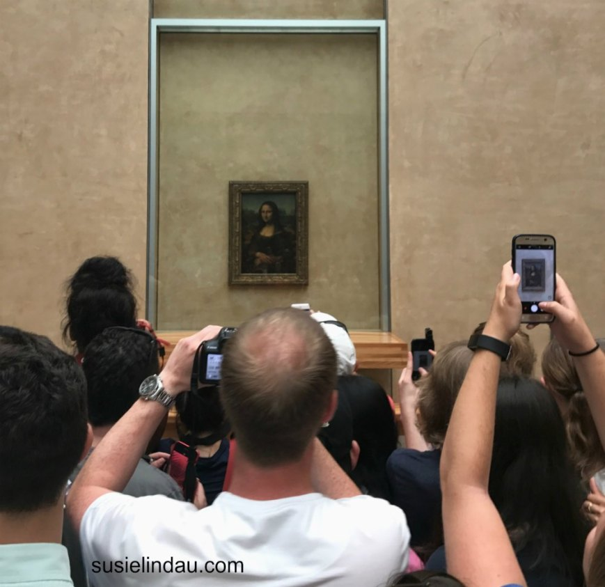 The Mona Lisa on a busy day
