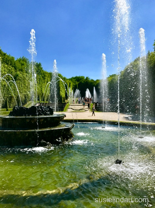 The Best of Versailles - Classical fountains spray water while music plays