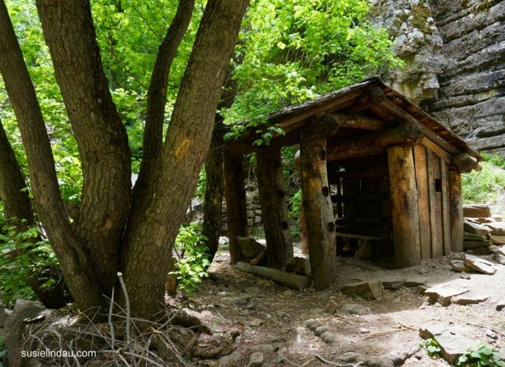 Old log cabin along trail to Hanging Lake, Colorado