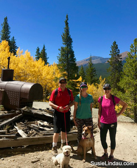 Aspen Alley Leaf Peeping in Breckenridge. Me and the gang at the beginning of the trail. Click for photos! Hikes, Fall color, Autumn leaf peeping, Colorado, Travel North America, Travel tips, Travel United States