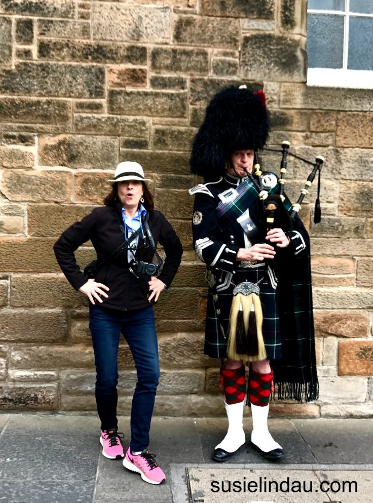 London and Edinburgh travel ideas! Bagpiping on the Royal Mile. Click for travel tips! tips, Travel Europe, Scotland #travel #traveltips #Traveleurope #