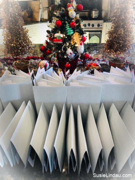 2018 Christmas cards folded and ready to send! Click to see my handcrafted card! Diy, crafting, Christmas traditions and ideas, Holiday tips and tricks, illustrations, art #diy #christmasideas #holidaycrafts #holidays #illustrations #christmascards