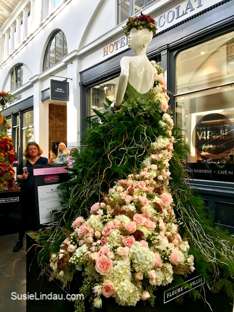 Blooming Couture in the Apple Market at Covent Gardens. Click for photos and reasons to add it to your bucket list! Travel London, England, Bucket list, Travel Europe Destinations #Travel #London #England #fashion #arts