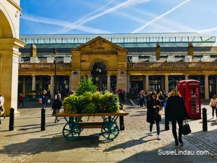 Covent Garden in London, England. Click for photos of the Fleurs de Villes floral couture competition! #floralideas #couture #coventgarden #london #travel