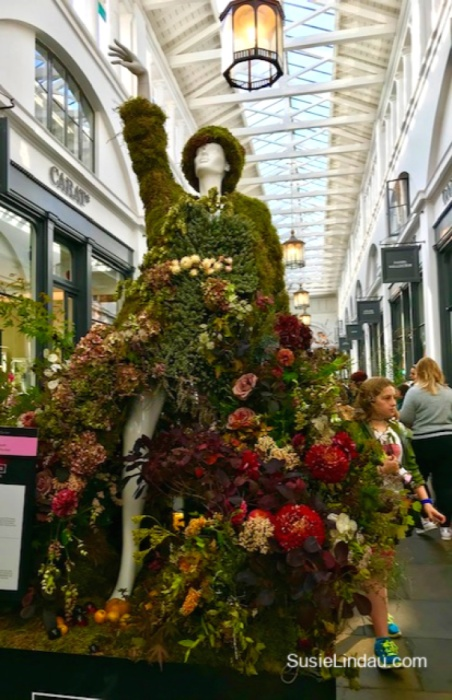 Putting the garden on the girl! Beautiful entries in the Fleurs De Villes at Covent Garden. Click for photos! #photography #london #travel #coventgarden #fashion