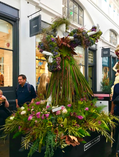 Reed dress in Covent Garden. Click for photos of these amazing creations. Travel London, England, Europe Destinations, Fashion, floral couture, Art