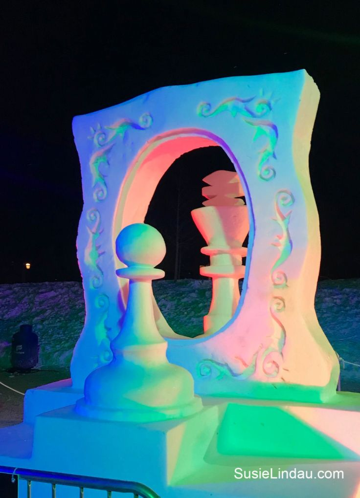 Chess pieces Snow Sculptures in Breckenridge. Click for photos of this amazing championship! #travel #Breckenridge #winter #snowsculpture #colorado