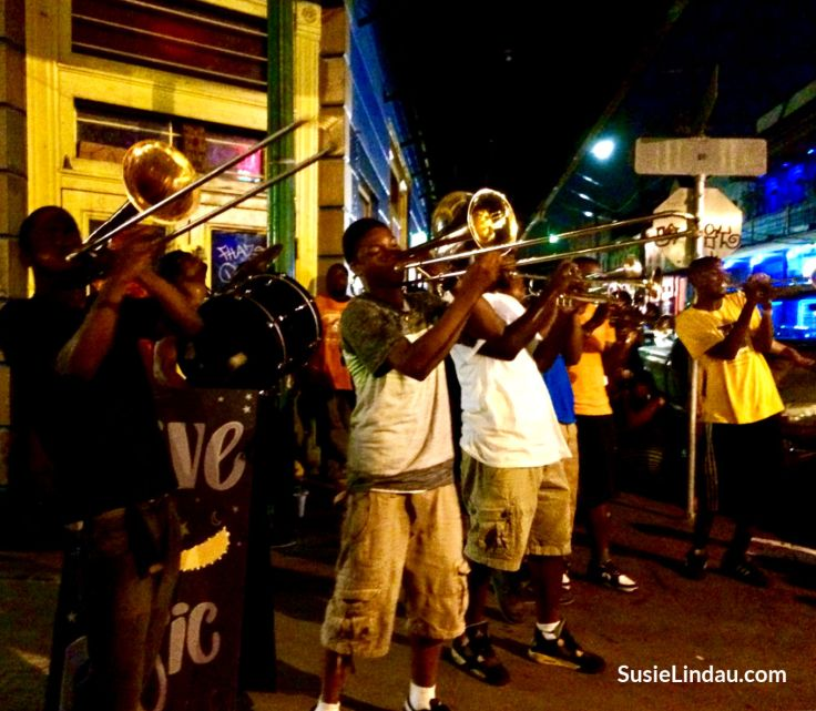 Jazz on Frenchmen Street. One of many things to do in the French Quarter! Click for ideas.