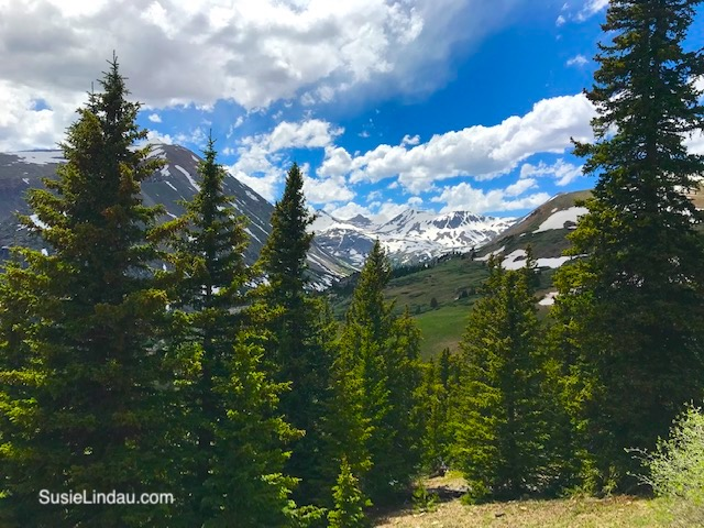 Snowy Peaks in July! A view from Hoosier Pass. Click for photos of this amazing hike a short distance from Breckenridge, Colorado!