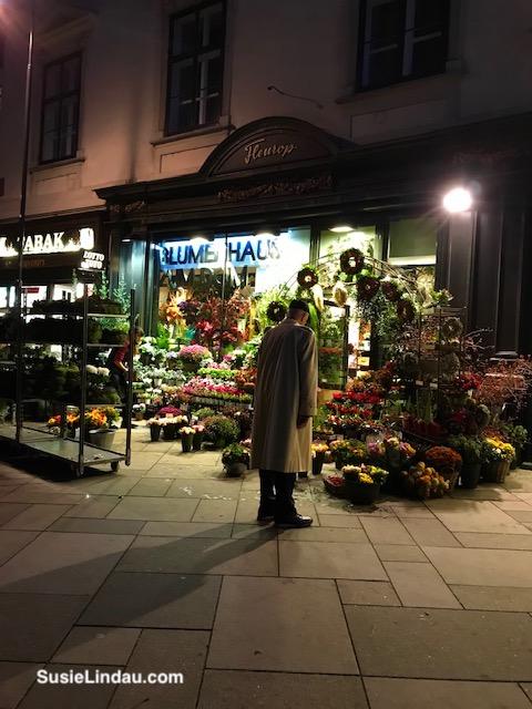 Vienna flower stand