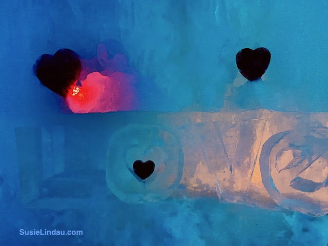 Love sign in Ice Castle - Dillon