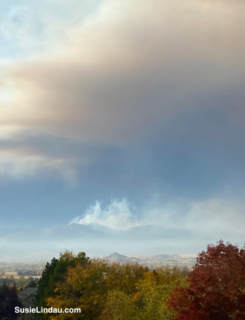 CalWood Fire and East Troublesome Fire smoke in the foothills of Boulder County