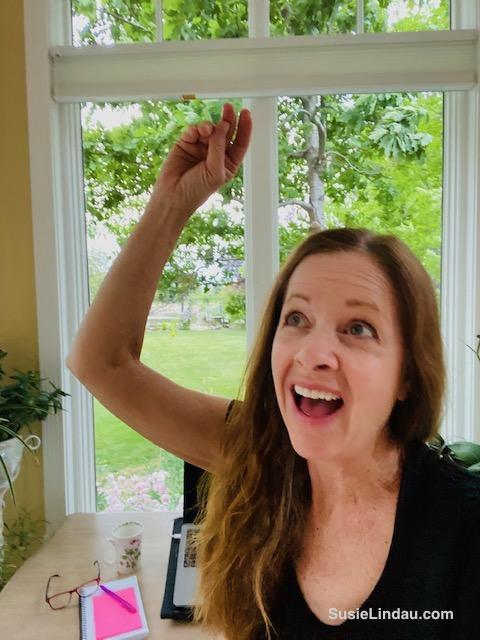 Susie Lindau happy dancing